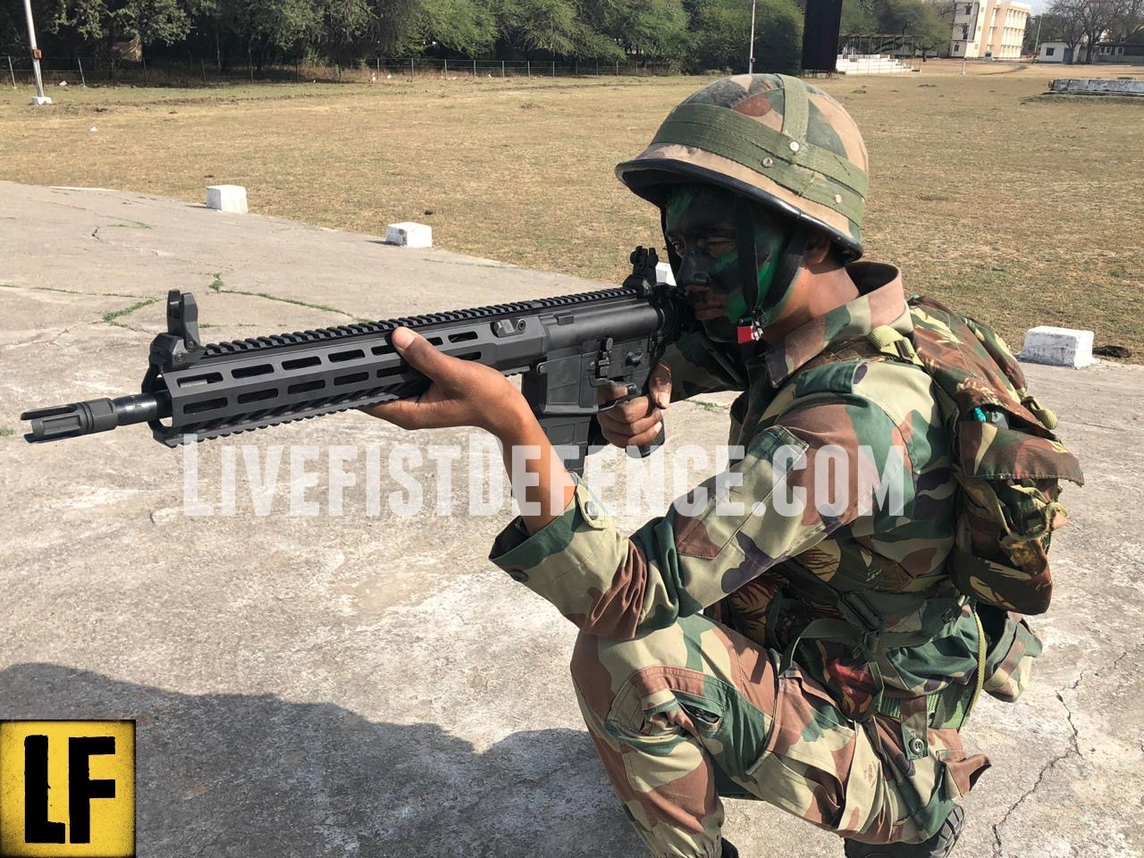 First Images Of Indian Army With Their New SIG716 Assault Rifles